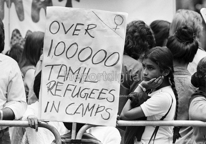Tamils protest outside the Sri Lanka High Commission, London 1983 at the continuing repression and state terrorism against Tamils in the ongoing civil war in the country. - NLA - 1983-08-06