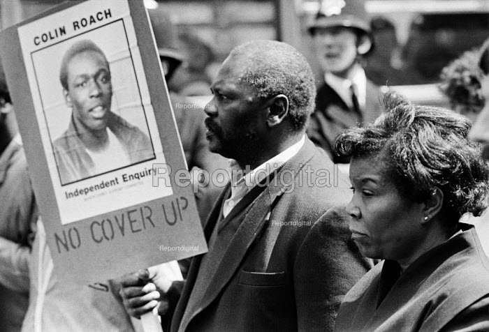 Parents of Colin Roach protest 1983 for an independent enquiry into the death of their son who was shot inside the entrance to Stoke Newington police station, East London - NLA - 1983-05-14