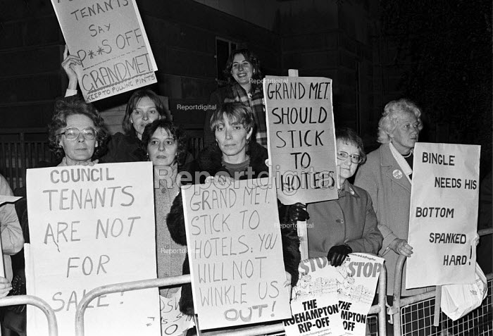 1983 Council tenants from the Alton housing estate in Roehampton, Wandsworth, South London, protest at plans by the council to sell off the estate to Grand Metropolitan - NLA - 1983-11-20