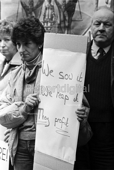 Workers lobby the Agricultural Wages Board that sets the pay rates, London 1984 - NLA - 1984-03-20