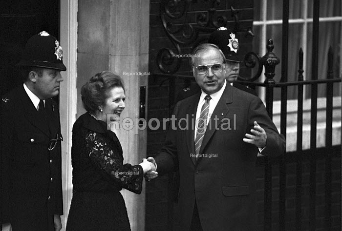 Margaret Thatcher welcoming German chancellor Helmut Kohl to Downing Street, London 1984 for economic summit - NLA - 1984-06-08