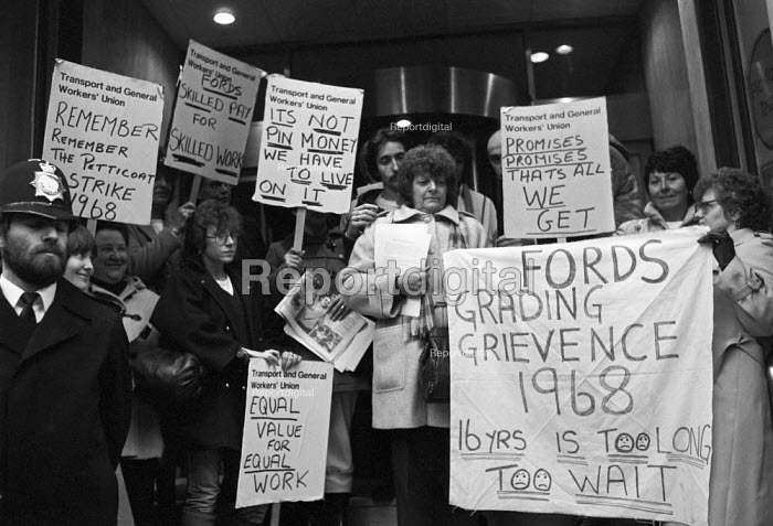 Ford sewing machinists lobby the TGWU in support of equal pay 1984 - NLA - 1984-11-27