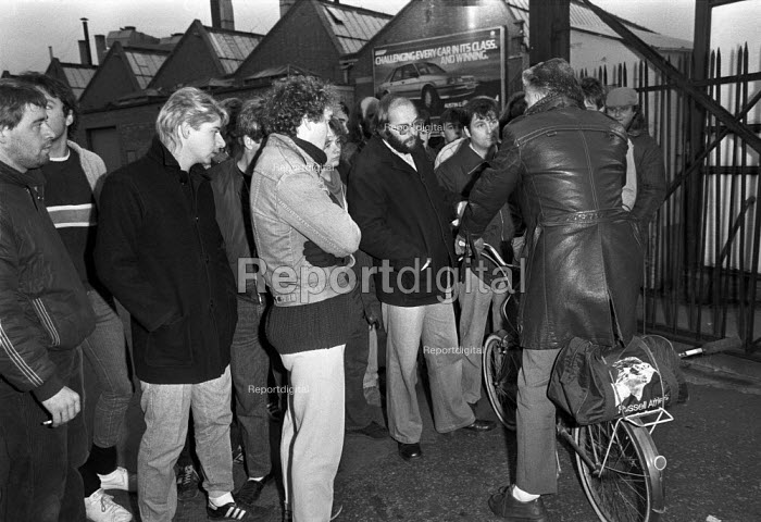 Strike at British Leyland plant, Cowley, Oxford, 1984 over cuts an redundancies - NLA - 1984-11-05