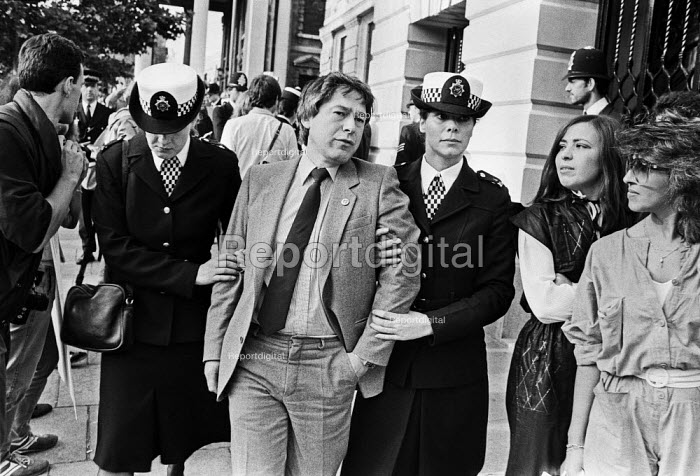 Police arresting Tony Banks, South African embassy, Trafalgar Square, London 1984 attempting to remove a Non-Stop Picket against Apartheid - NLA - 1984-07-20