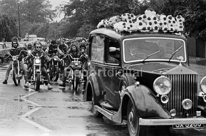Hells Angels funeral, Hayes, West London, 1985 of John, allegedly killed by police - Peter Arkell - 1985-08-02