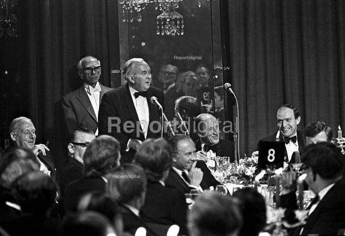Harold Wilson speaking, Annual dinner of the CBI, London 1975 - Martin Mayer - 1975-05-20