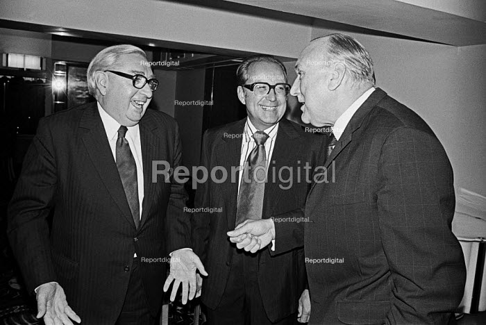 George Brown (L) and Lord Robens (R) American Chamber of Commerce event, London 1975 - Martin Mayer - 1975-09-17