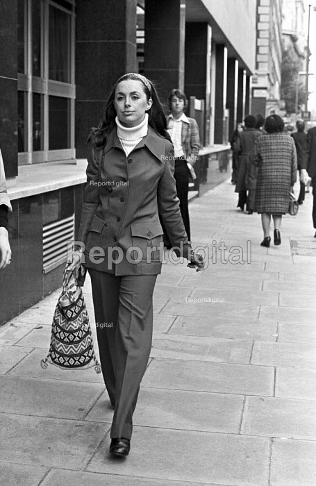 Sheila Buckley, former secretary to John Stonehouse MP, 1975 then mistress, then wife, at court in London soon after he was extradited from Australia to the UK. He had faked his death in Miami and then went to Australia. - NLA - 1975-10-15