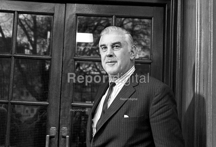 Duke Hussey, managing director of Associated Newspapers and chief executive of Times Newspapers 1975 attending talks between the NGA print union and the Newspaper Publishers Association, London - NLA - 1975-01-17