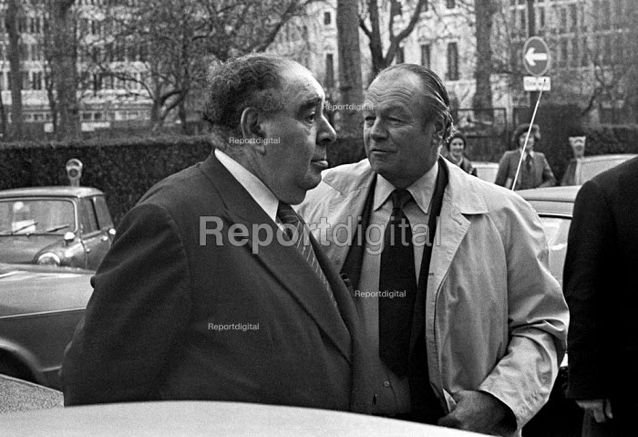 Lord Goodman (L) and Max Aitken of Beaverbrook newspapers 1975 attending talks between the NGA print union and the Newspaper Publishers Association, London - NLA - 1975-01-17