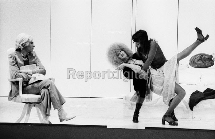 PORK by Andy Warhol, Roundhouse Theatre London 1971. Anthony Zanetta as B. Marlowe (L) Wayne County as Vulva (C) and Kathy Dorritie as Pork (R) - Chris Davies - 1971-07-03