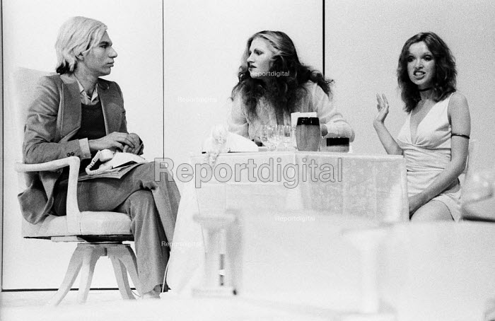 PORK by Andy Warhol, Roundhouse Theatre London 1971. Anthony Zanetta as B. Marlowe (L) - Chris Davies - 1971-07-03