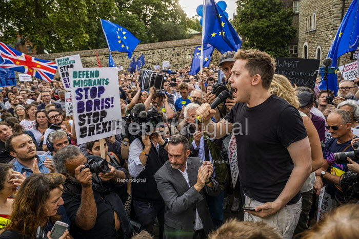 Owen Jones speaking Defend democracy, resist the Parliament Shutdown protest as the Queen agrees to suspend Parliament at Boris Johnsons request, College Green, Westminster, London. - Jess Hurd - 2019-08-28