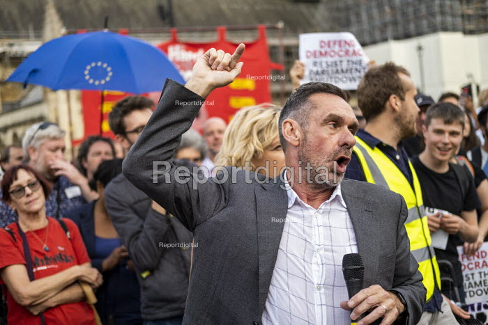 Paul Mason speaking Defend democracy, resist the Parliament Shutdown protest as the Queen agrees to suspend Parliament at Boris Johnsons request, College Green, Westminster, London. - Jess Hurd - 2019-08-28