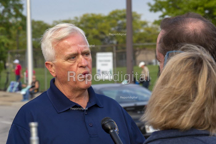 Detroit, Michigan, USA: UAW Vice Pres Terry Dittes talking to reporters. Striking UAW workers picketing GM Detroit-Hamtramck Assembly Plant on the first day of their strike. The plant is one of those that GM says it will close. The main issues in the strike include plant closures, low wages and the two-tier pay structure - Jim West - 2019-09-16