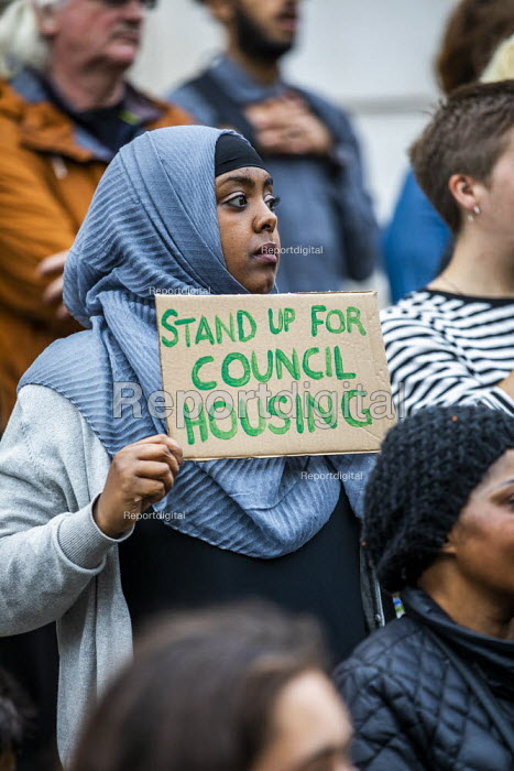 London Renters Union and Sisters Uncut protest at Hackney Town Hall against the treatment of housing activists in Marian Court, a controversial redevelopment, East London - Jess Hurd - 2019-09-16