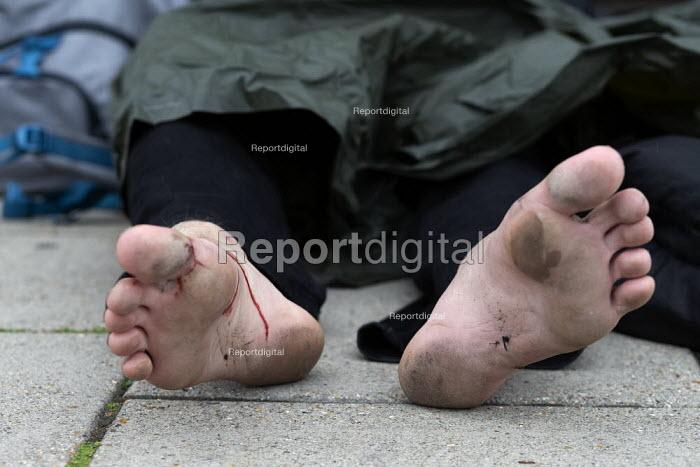 Homeless young man with bleeding feet, Brighton - John Harris - 2019-09-09