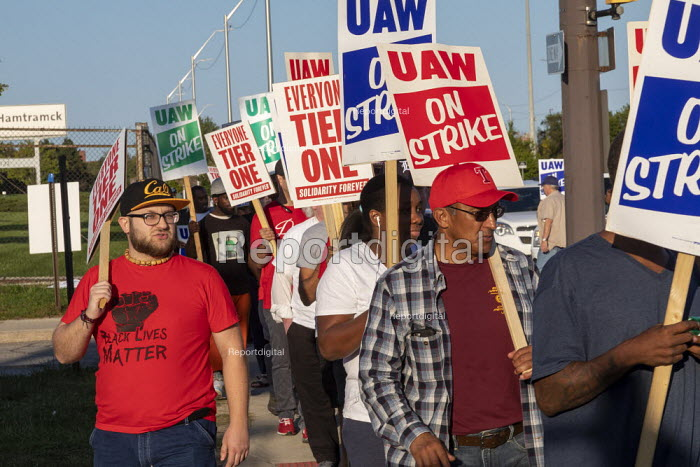 Detroit, Michigan, USA: striking UAW workers picketing GM Detroit-Hamtramck Assembly Plant. The main issues in the strike include plant closures, low wages and the two-tier pay structure - Jim West - 2019-09-18