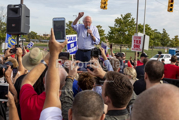 Detroit, Michigan USA: Bernie Sanders speaking to striking UAW workers picketing the GM Detroit-Hamtramck Assembly Plant. It is one of those that GM says it will close. The main issues in the strike include plant closures, low wages and the two-tier pay structure - Jim West - 2019-09-25