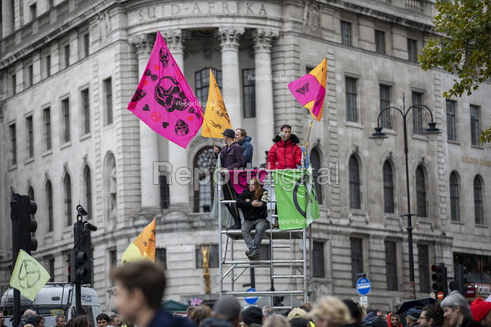 Extinction Rebellion protest against lack of Government action on climate change. Nonviolent direct action shutting down central London. - Jess Hurd - 2019-10-07