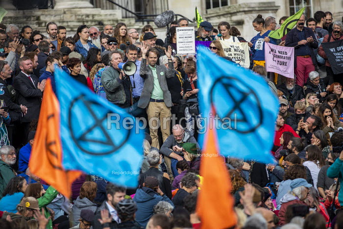 Jamie Kelsey speaking Extinction Rebellion climate activists defy the police ban on London protest. Save our Planet: Save our right to peaceful protest. Trafalgar Square. - Jess Hurd - 2019-10-16