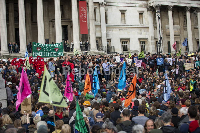 Craig Bennett, Friends of the Earth speaking Extinction Rebellion climate activists defy the police ban on London protest. Save our Planet: Save our right to peaceful protest. Trafalgar Square. - Jess Hurd - 2019-10-16
