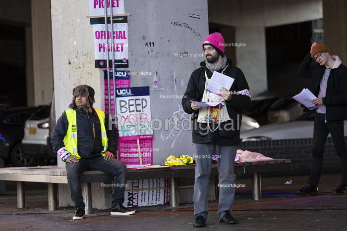UCU strike for pensions and pay, Coventry University, leafleting students - John Harris - 2019-11-26