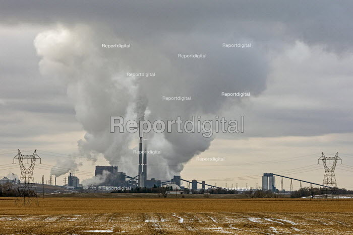North Dakota, USA Coal Creek Station, the largest power station in North Dakota, Great River Energy. Fueled by lignite the plant exports its electricity to Minnesota - Jim West - 2019-11-05