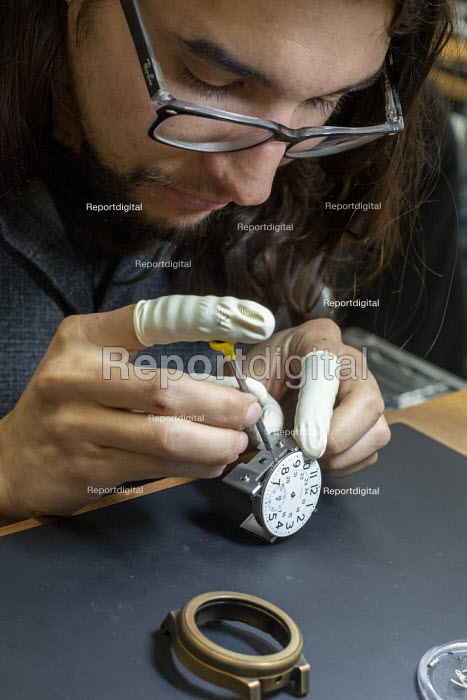 Colorado, USA. Workers making watches by hand, Vortic... - Jim West, JW1911v175.jpg