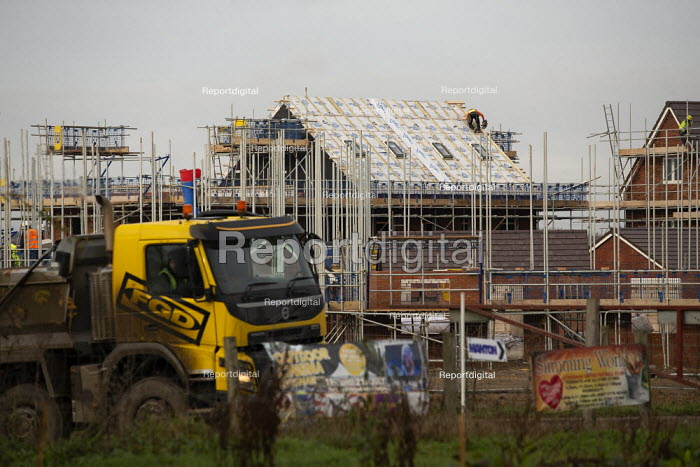 Construction of new houses on the edge of town, Evesham, Worcestershire. Bloor Homes - John Harris - 2019-12-05