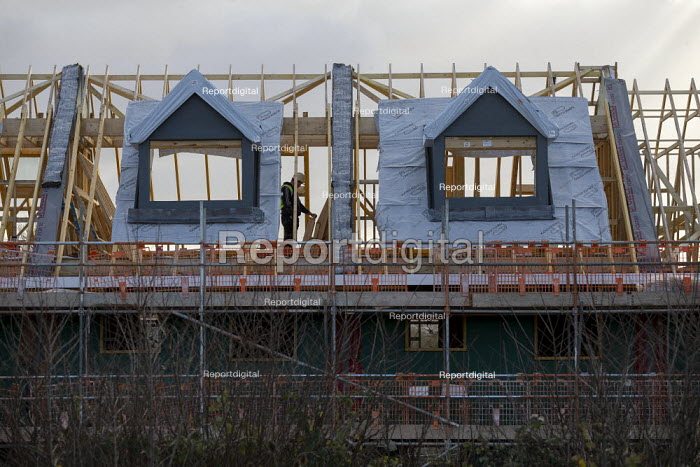 New houses under construction, Ashchurch, Gloucestershire. Lindin Homes - John Harris - 2019-12-09