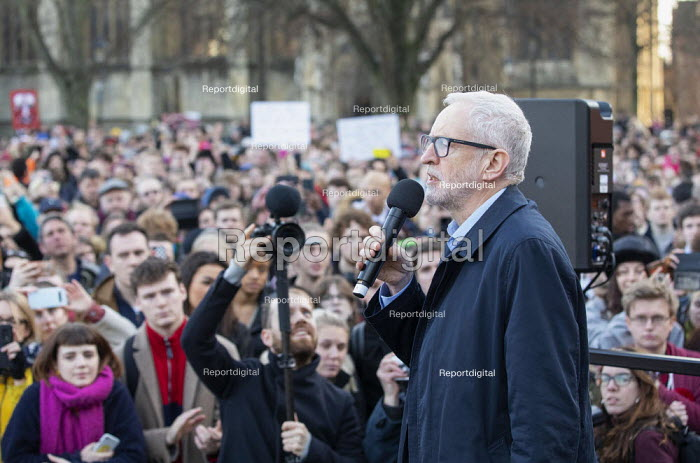Jeremy Corbyn greeting Mayor Marvin Rees Labour Party Election Campaign Rally Bristol - Paul Box - 2019-12-09
