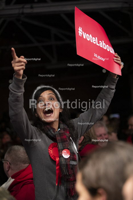 Labour supporters, General election rally, Hoxton Docks, Hackney, East London - Jess Hurd - 2019-12-11