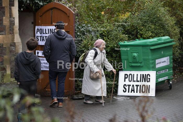B & A church, Polling Station, Bristol - Paul Box - 2019-12-12