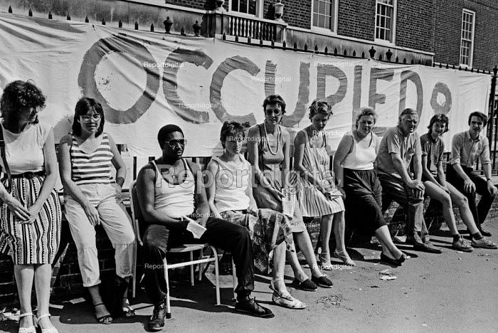Occupation of South London Women's Hospital 1984 against closure by Wandsworth Health Authority - NLA - 1984-07-21