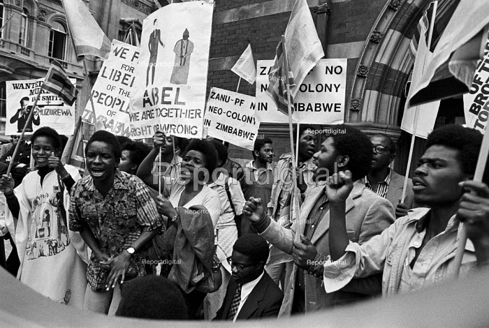 Protest, independence conference on Zimbabwe, London 1979 just before a ceasefire paved the way for talks. - NLA - 1979-09-10