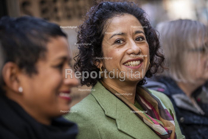Samira Ahmed BBC presenter and NUJ member with supporters... - Jess Hurd, jj2001092.jpg