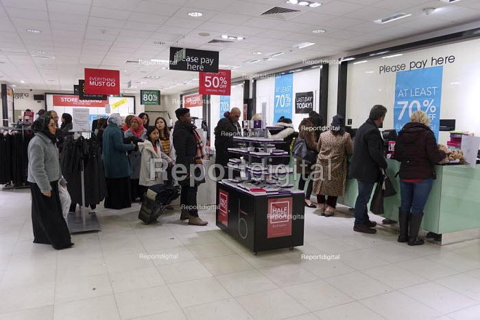 Debenhams store closing down sale, last day, The Fort Shopping Centre, Birmingham - John Harris - 2020-01-11