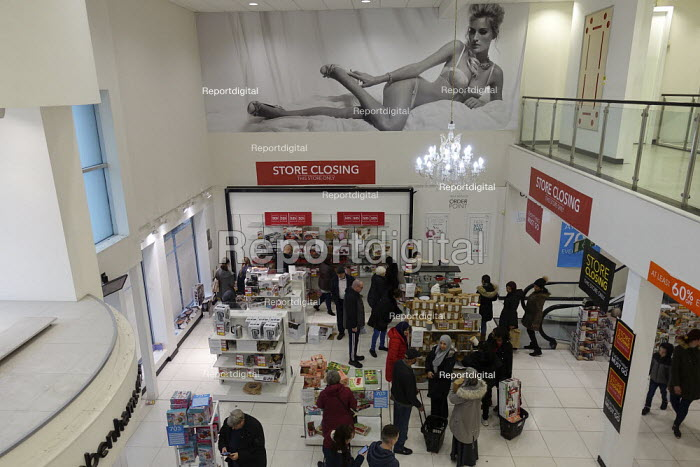 Debenhams store closing down sale, last day, The Fort Shopping Centre, Birmingham - John Harris - 2020-01-11