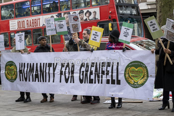 Grenfell fire Inquiry phase two, day one, Kensington residents campaigning for Justice, Paddington, London. - Jess Hurd - 2020-01-27