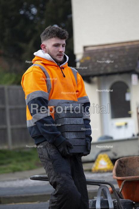 Workers laying a new block driveway, Stratford upon Avon, Warwickshire - John Harris - 2020-01-21