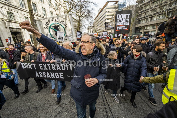 Chris Nineham, March for Julian Assange against his extradition to America, London - Jess Hurd - 2020-02-22