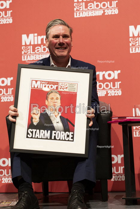Keir Starmer with mocked up Mirror Front pages Labour Leader Hustings, Dudley - John Harris - 2020-03-08