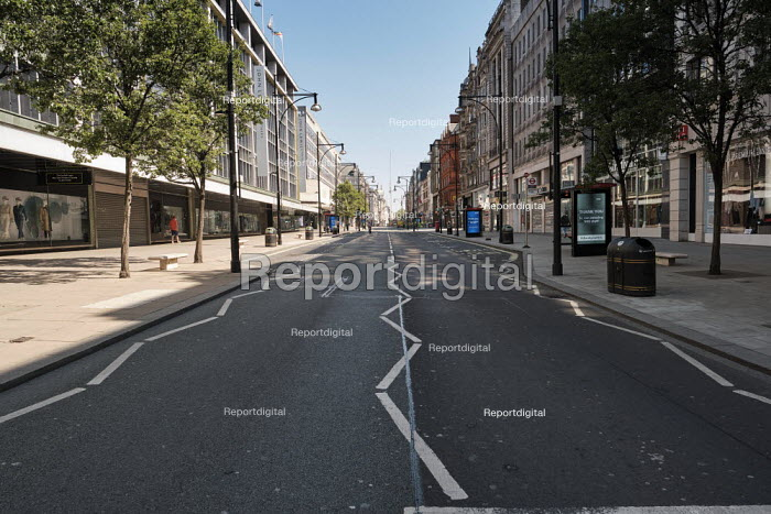 Coronavirus Pandemic. Empty Streets and closed shops, Oxford Street, London - Duncan Phillips - 2020-04-22