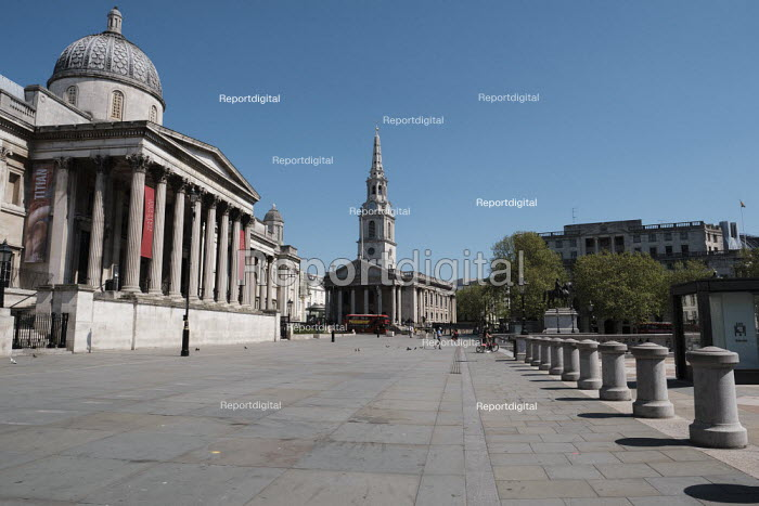 Coronavirus Pandemic. Nation Gallery and St Martins in the Fields. Empty Streets and closed shops, Trafalgar Square, London - Duncan Phillips - 2020-04-22