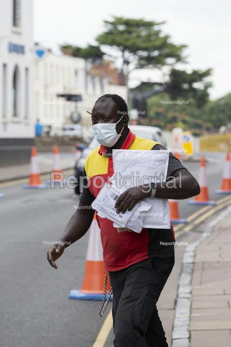 DHL driver making deliveries, Stratford Upon Avon - John Harris - 2020-06-16