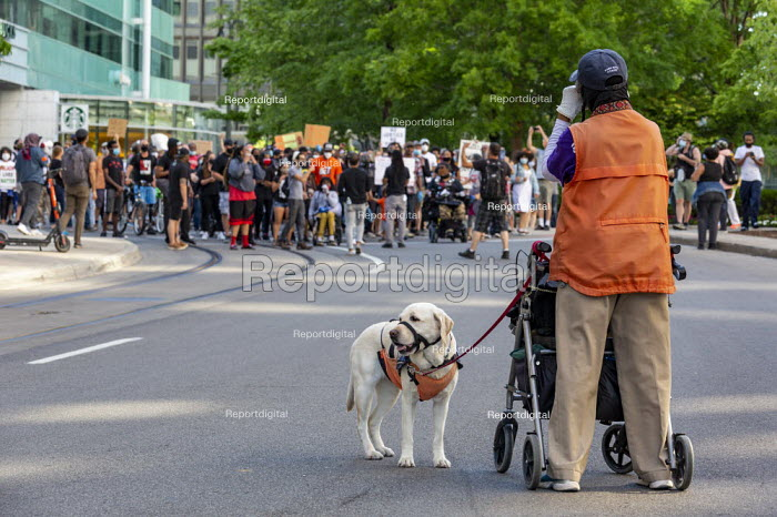 Detroit, Michigan, USA. Deaf people at Black Disabled Lives Matter protest. Protest demanding that police funding be reallocated to mental health first responders and crisis intervention specialists. - Jim West - 2020-06-15