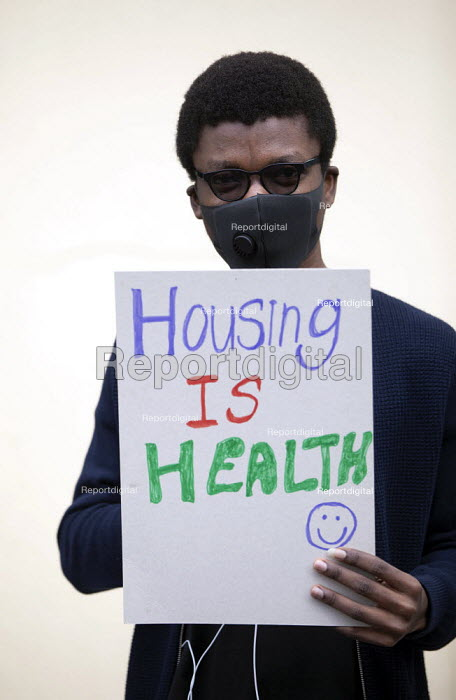 Focus E15 Mothers Chain of Power protest the scandal of Newham Council leaving 400 empty homes at the Carpenters Estate while those living at the Brimstone House hostel and many others need safe housing, Stratford, Newham - Jess Hurd - 2020-06-27