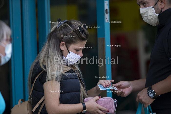 Mask up Friday, Shoppers wearing masks in the street outside Poundland, Stratford Upon Avon - John Harris - 2020-07-24