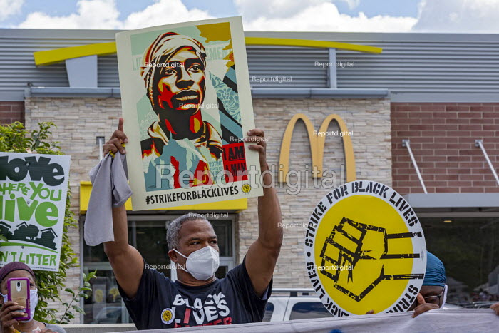 Detroit, USA, McDonald's SEIU union workers protest for $15 an hour during the nationwide Strike for Black Lives - Jim West - 2020-07-20